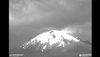 Popocatépetl registra explosión de 500 metros de altura