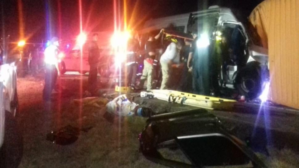 Foto: Se precisó que tres personas murieron en el sitio del accidente y una más durante el traslado al hospital debido a las heridas que recibió, 17 de agosto de 2019 (Twitter @SSP_SLP)
