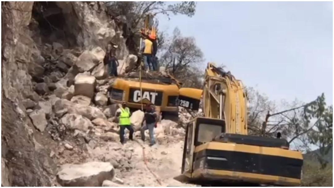 Foto: Operador falleció tras quedar sepultado entre escombros tras el derrumbe de un cerro en San Luis Potosí, 24 de agosto de 2019 (Noticieros Televisa)