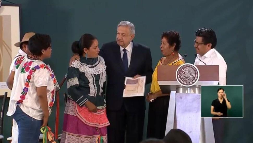Foto: AMLO recibió las propuestas y conclusiones del Foro Nacional de los Pueblos Indígenas, 9 agosto 2019