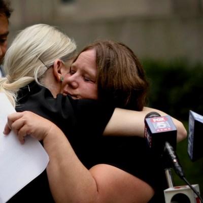 Nueva York abre 'ventana al pasado' con cientos de denuncias de abuso sexual