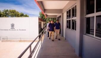 Imagen: De acuerdo con el Rector Javier Saldaña, las escuelas serán vigiladas por fuerzas federales, 19 de agosto de 2019 (Twitter @JavSaldana, archivo)