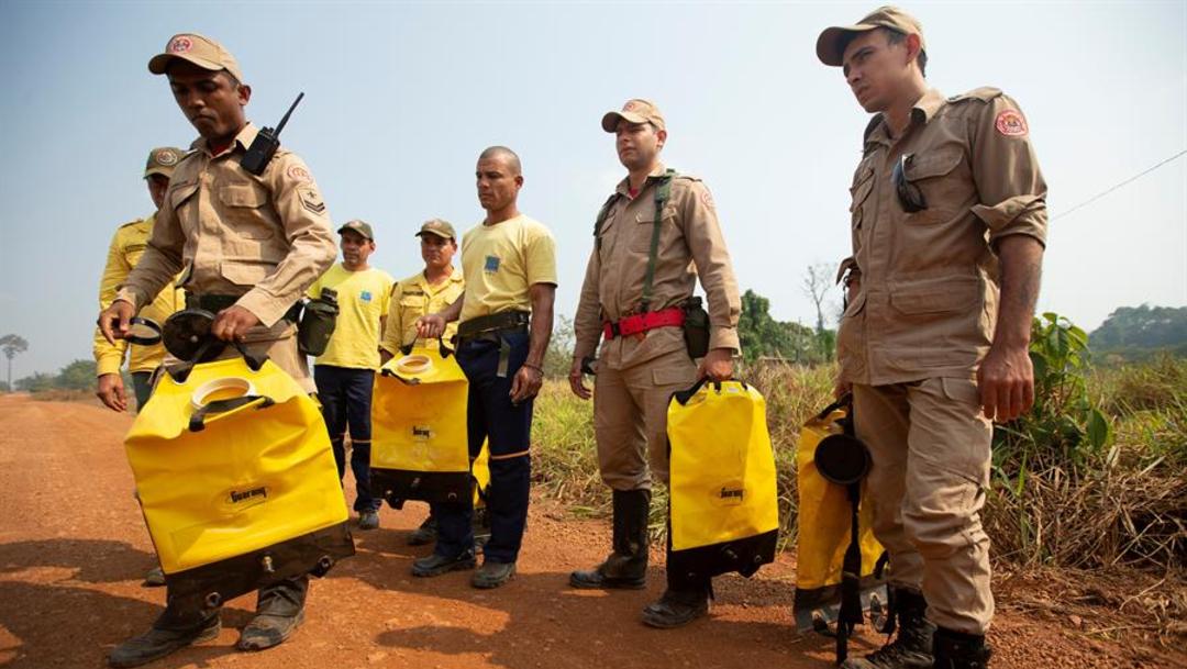 Imagen: Según datos divulgados esta semana por el Instituto Nacional de Pesquisas Espaciales, la región amazónica ha registrado más de la mitad de los 71.497 incendios forestales detectados en Brasil, 26 de agosto de 2019 (EFE, archivo)