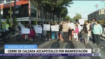 Cierran internado en CDMX por falla geológica, padres protestan