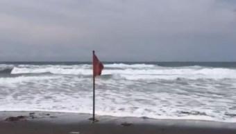 Tormenta tropical 'Ivo' provoca oleaje elevado en Colima