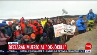 Colocan lápida por muerte de glaciar en Islandia
