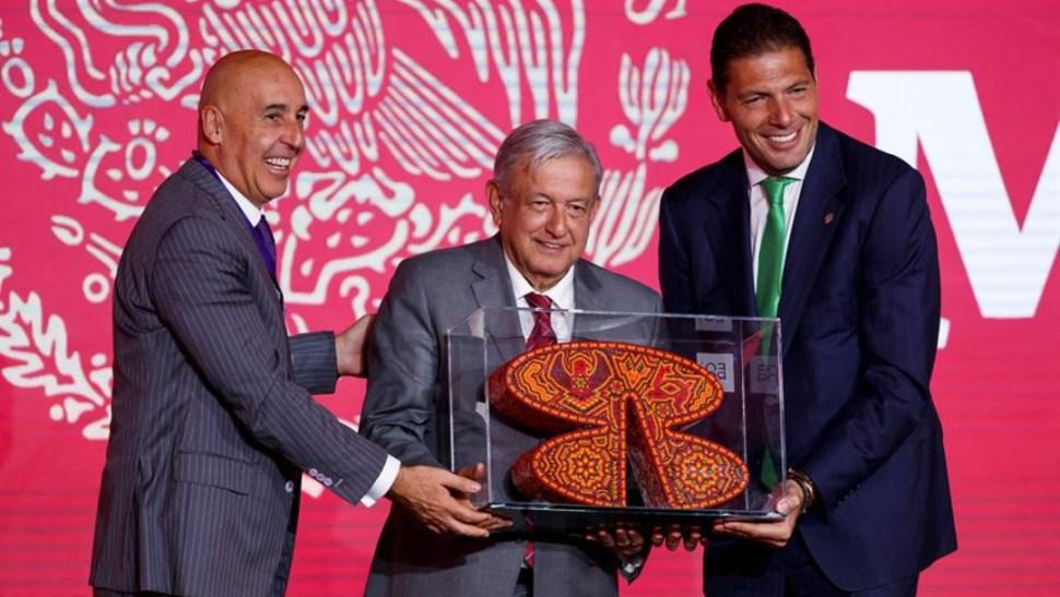 Foto: Carlos Hank González, presidente del Grupo Financiero,le dijo al presidente López Obrador que apoya la cuarta transformación, 21 de agosto de 2019 (EFE)