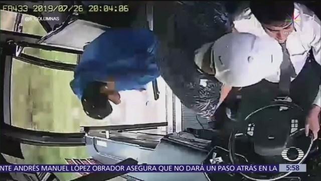 Delincuentes roban a pasajeros y chófer de camión en el Edomex