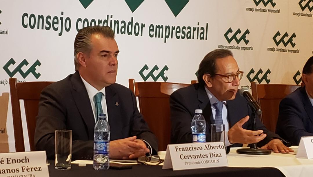 Foto: El sector empresarial se unió para hacer el llamado a los legisladores, 21 de agosto 2019. (Twitter @fcervantes5)
