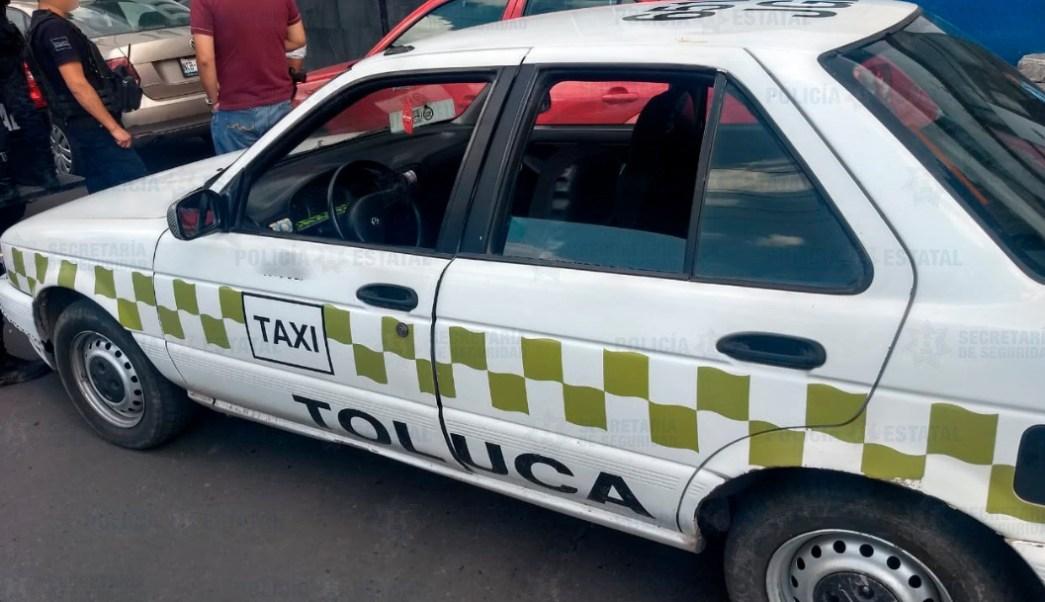 Foto: Se detuvo a los cuatro tripulantes que iban a bordo del taxi,17 de agosto de 2019 (Fiscalía Edomex)