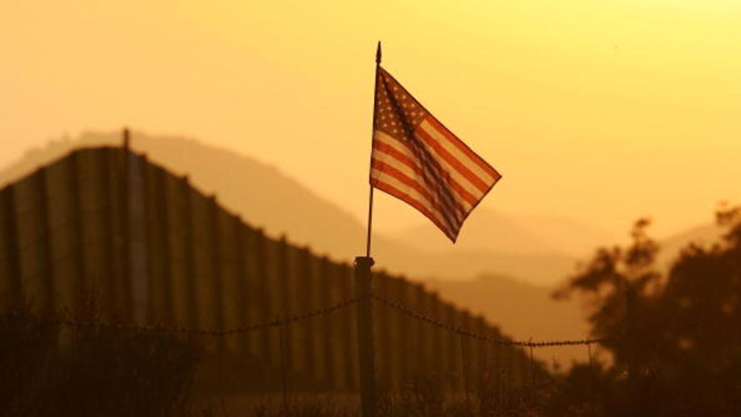 """Imagen: Trump, que sostiene un endurecimiento de la política migratoria, canceló el programa DACA que amparaba a unos 700 mil """"soñadores"""", 27 de agosto de 2019 (Getty Images, archivo)"""