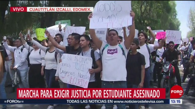 FOTO: Estudiantes Marchan Para Exigir Justicia Por Estudiante Asesinado