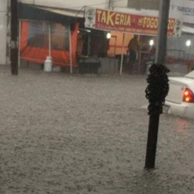Videos: Lluvia e inundaciones colapsan vialidades en Atizapán de Zaragoza