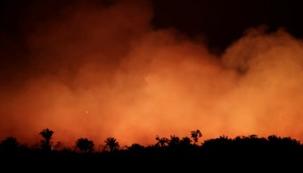 Foto: Un incendio consume la selva amazónica cerca de Humaita, Brasil. Reuters
