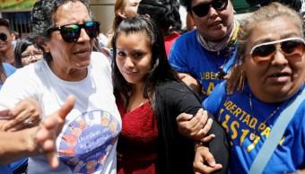 Foto: Evelyn Hernández asiste a una audiencia en Ciudad Delgado, El Salvador. Reuters