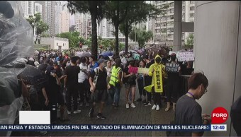 Funcionarios se unen a manifestaciones en Hong Kong