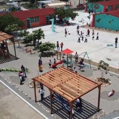 Fundación Happy Hearts reconstruye escuelas afectadas por sismos en Oaxaca