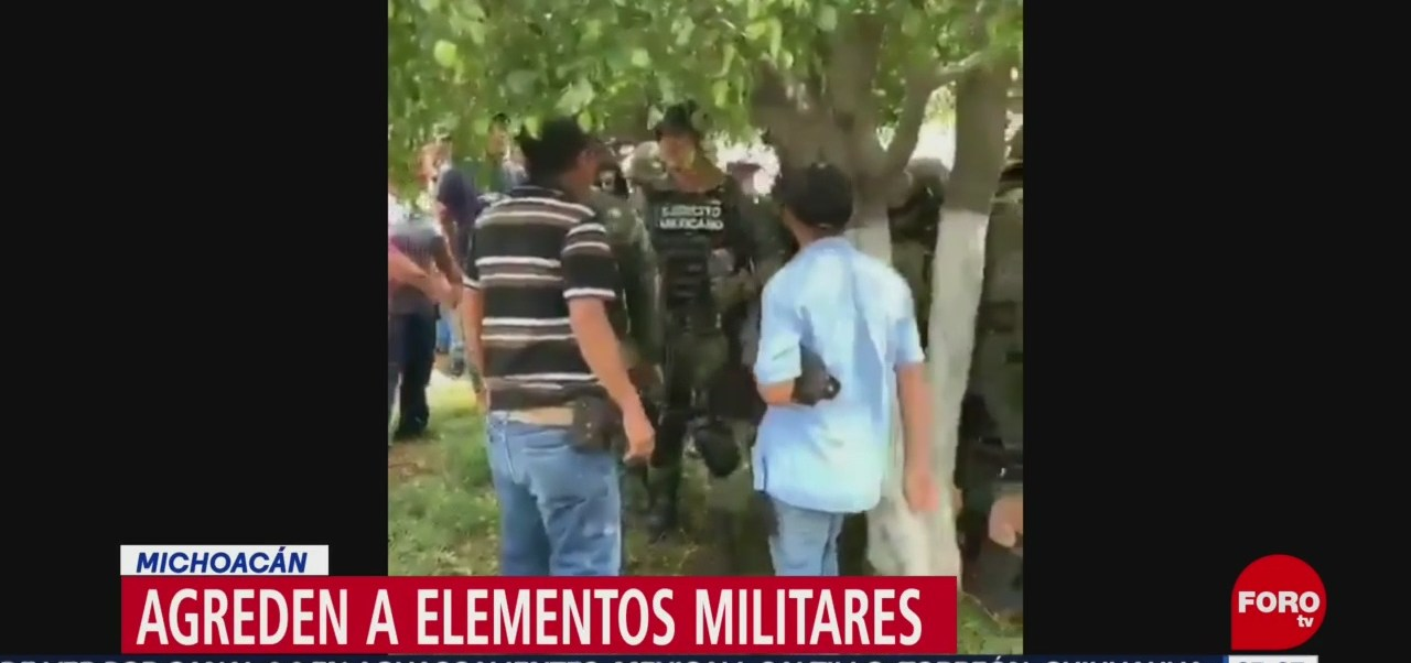 Habitantes agreden a elementos del Ejército exigiendo que liberen a presunto criminal