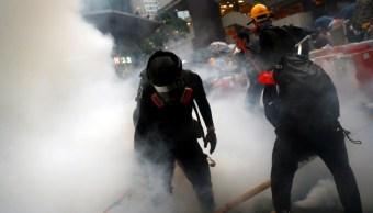 Policía de Hong Kong reprime a cientos de manifestantes