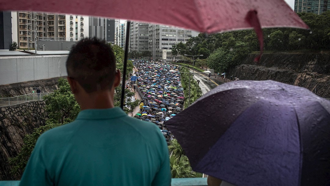 Foto: Miles de profesores marcharon en Hong Kong, 17 agosto 2019