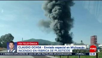 Incendio en fábrica de plásticos de Morelia podría extenderse