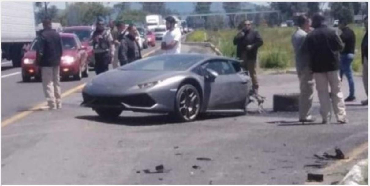 Lamborghini queda a la mitad tras fuerte choque sobre la Toluca- Palmillas