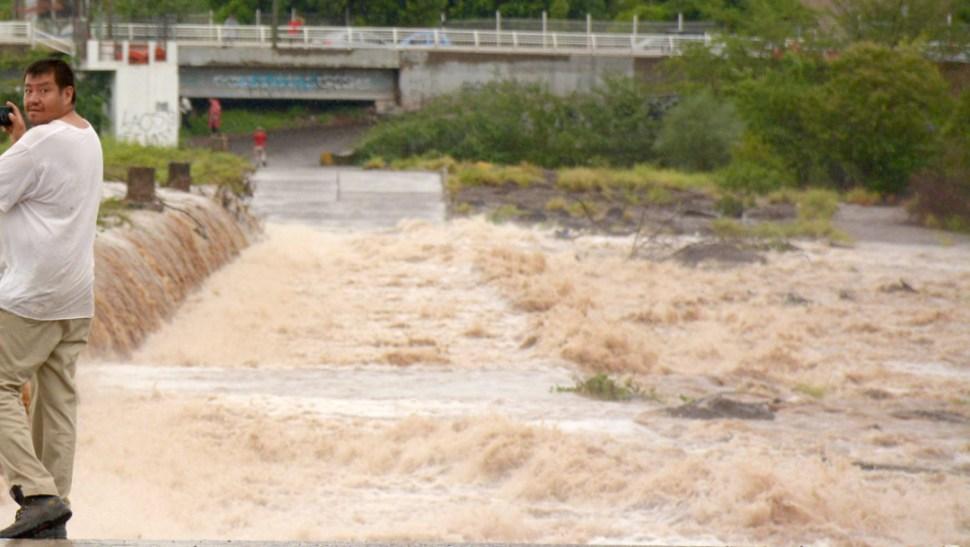 FOTO Lluvias fuertes provocan inundaciones en Sinaloa (Juan Carlos Cruz/Cuartoscuro)