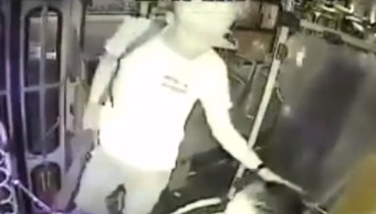 Foto: Hombre asalta con machete a chofer, 25 de agosto de 2019, Guadalajara, Jalisco
