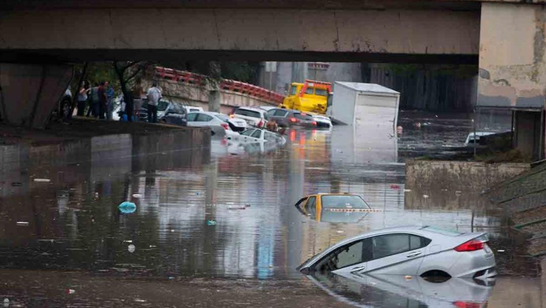 Las fuertes lluvias provocaron inundaciones en calles y pasos a nivel de las principales avenidas de Monterrey, 25 agosto 2019