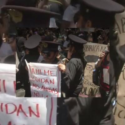 Mujeres protestan en CDMX, exigen castigo contra policías violadores