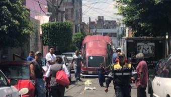 Foto: Los vecinos dicen que algunas personas se esconden en esos vehículos, 14 de agosto de 2019 (Noticieros Televisa)