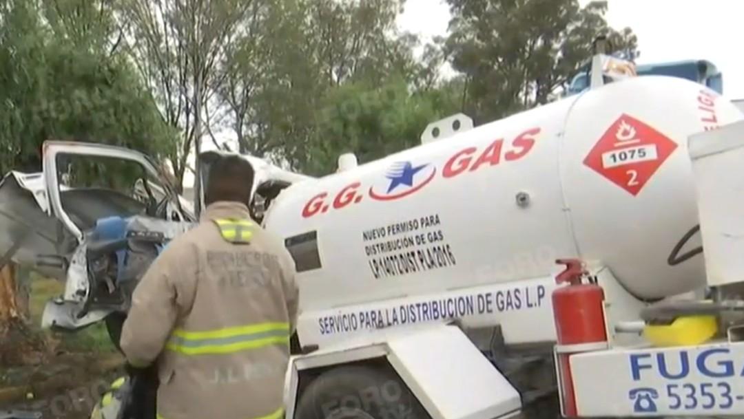 Foto: Pipa de gas choca contra árbol, 5 de agosto de 2019, Estado de México