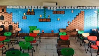 Foto 'Profe Chido' sorprende a sus alumnos decorando su salón al estilo Mario Bros 30 agosto 2019