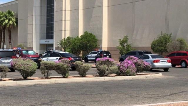 Foto: La policía de El Paso, Texas, envió agentes a una zona comercial tras reportes de tiroteo, 3 agosto 2019