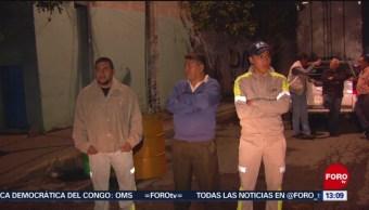 FOTO: Vecinos de Añil pasan la noche en albergue por toma clandestina, 25 Agosto 2019
