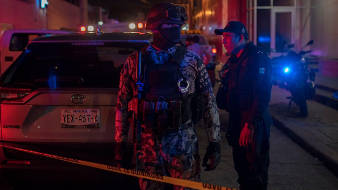 Foto: Elementos federales realizan labores de vigilancia tras un ataque armado a una bar en Coatzacoalcos, Veracruz
