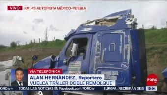 FOTO: Vuelca tráiler cargado con cervezas en la México-Puebla, 25 Agosto 2019