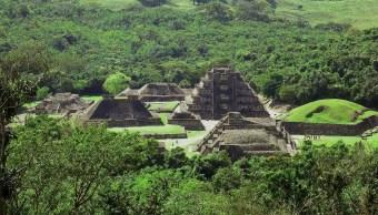 Maquinaria pesada daña zona arqueológica El Tajín, Veracruz