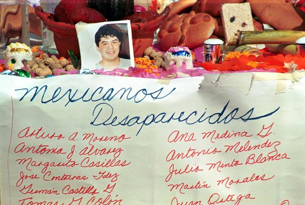 Foto: ofrenda muertos torres gemelas 11 septimebre 2001. 11 septiembre 2019