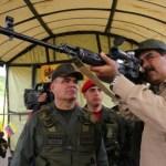 Foto: Maduro apuntando con un arma, 18 de septiembre de 2019 (Reuters, archivo)