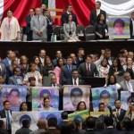 ¡Ayotzinapa vive, la lucha sigue! Padres de normalistas claman justicia en San Lázaro