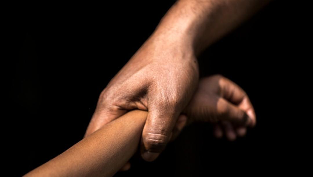 Cesan a dos maestros acusados de abuso sexual a menores, en Edomex