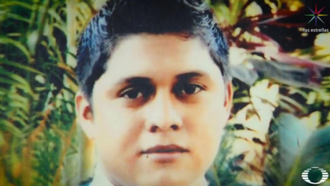 FOTO Aldo Gutiérrez, el normalista que sobrevivió la noche de Iguala (Noticieros Televisa)