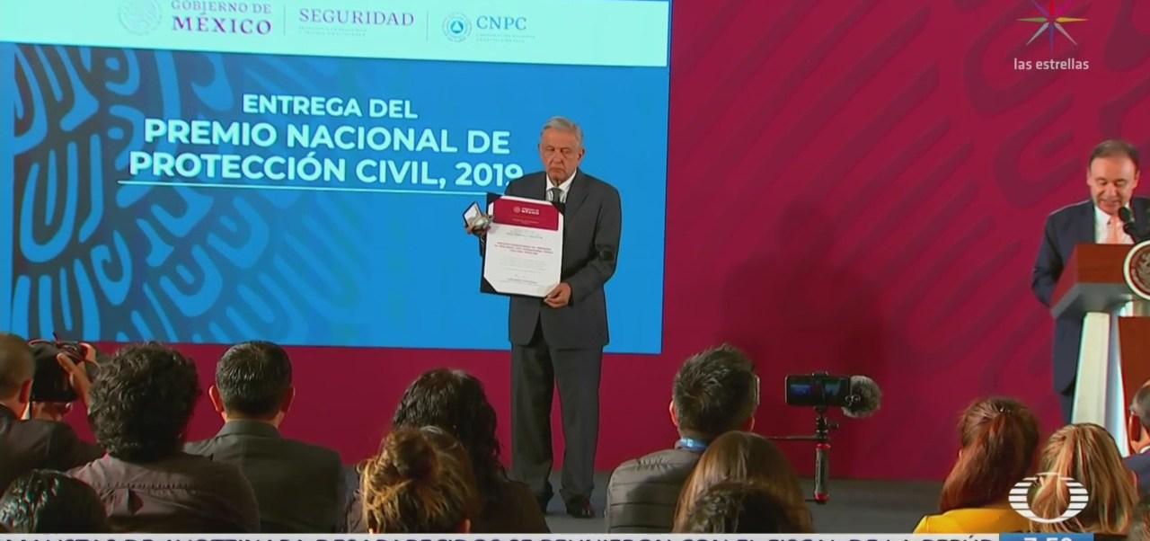 AMLO encabeza entrega del Premio Nacional de Protección Civil