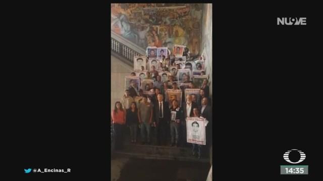 FOTO: AMLO Se Reúne Con Padres Normalistas Desaparecidos