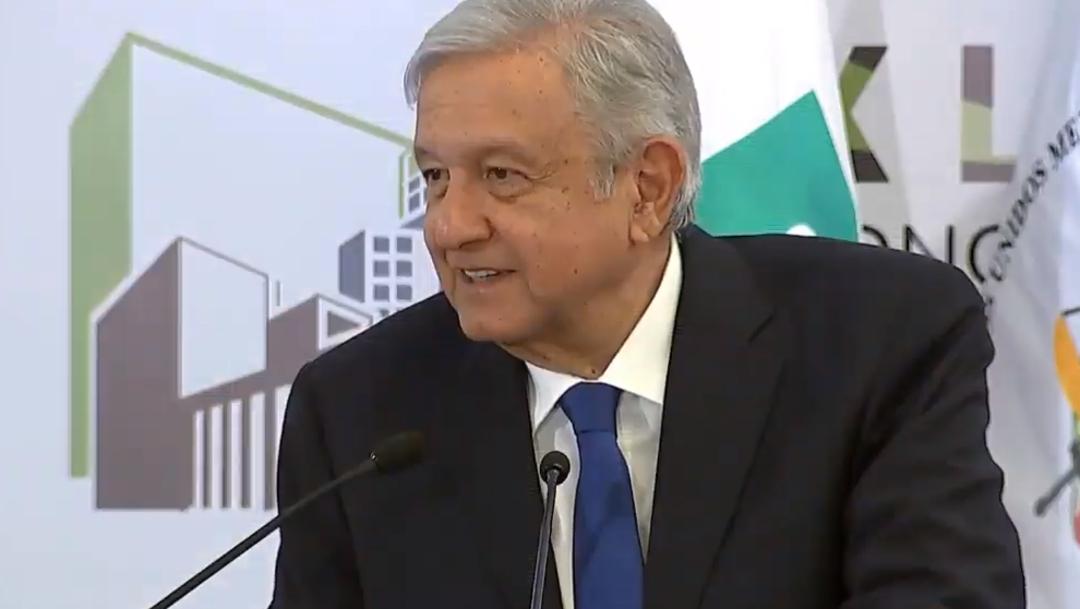 FOTO AMLO habla con presidente de tribunales para mejorar imagen de México (YouTube)