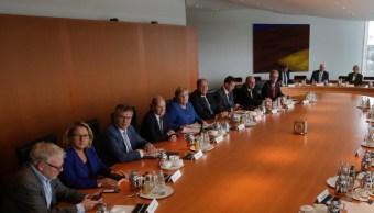 FOTO Merkel responde al cambio climático con plan de 54 mil mde (AP)