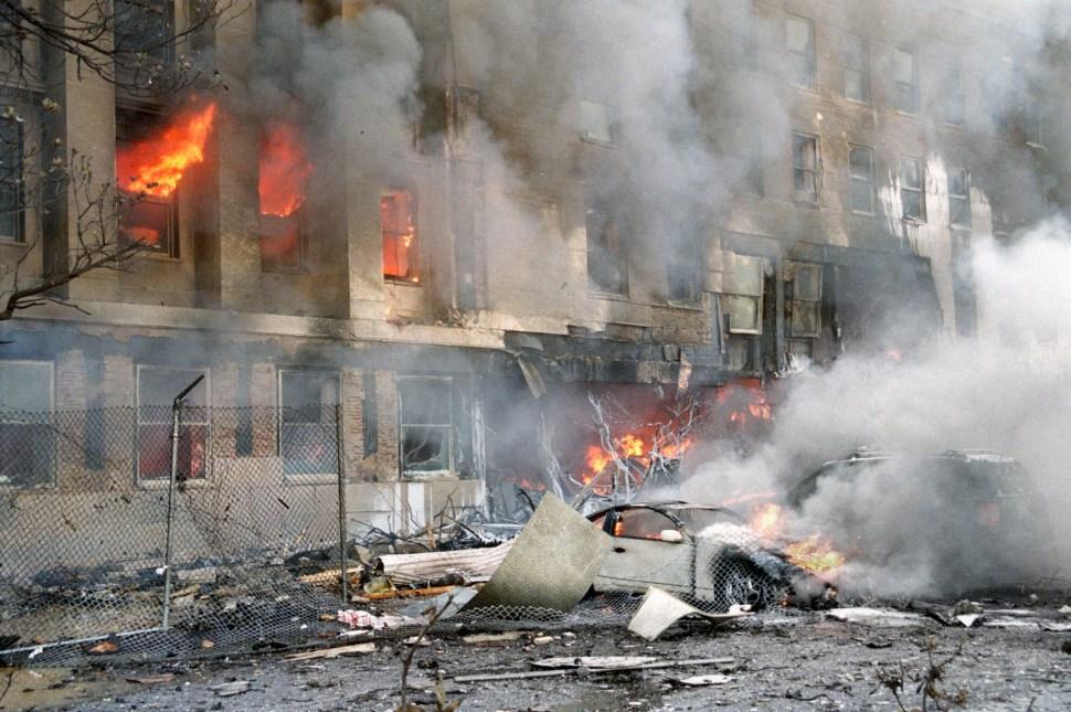 Foto: pentagono en llamas septiembre 2001. 11 septiembre 2019