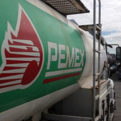 Pemex recibe alivio financiero, pero necesitaría apoyo adicional: Moody's