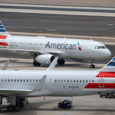 Mecánico intenta sabotear avión en Miami; tenía videos del Estado Islámico en su teléfono